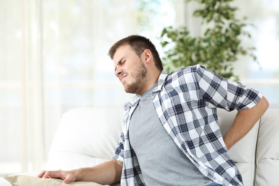 szúró derékfájdalom, sérv kezelése gyógymasszázzsal a massageaddict-nál